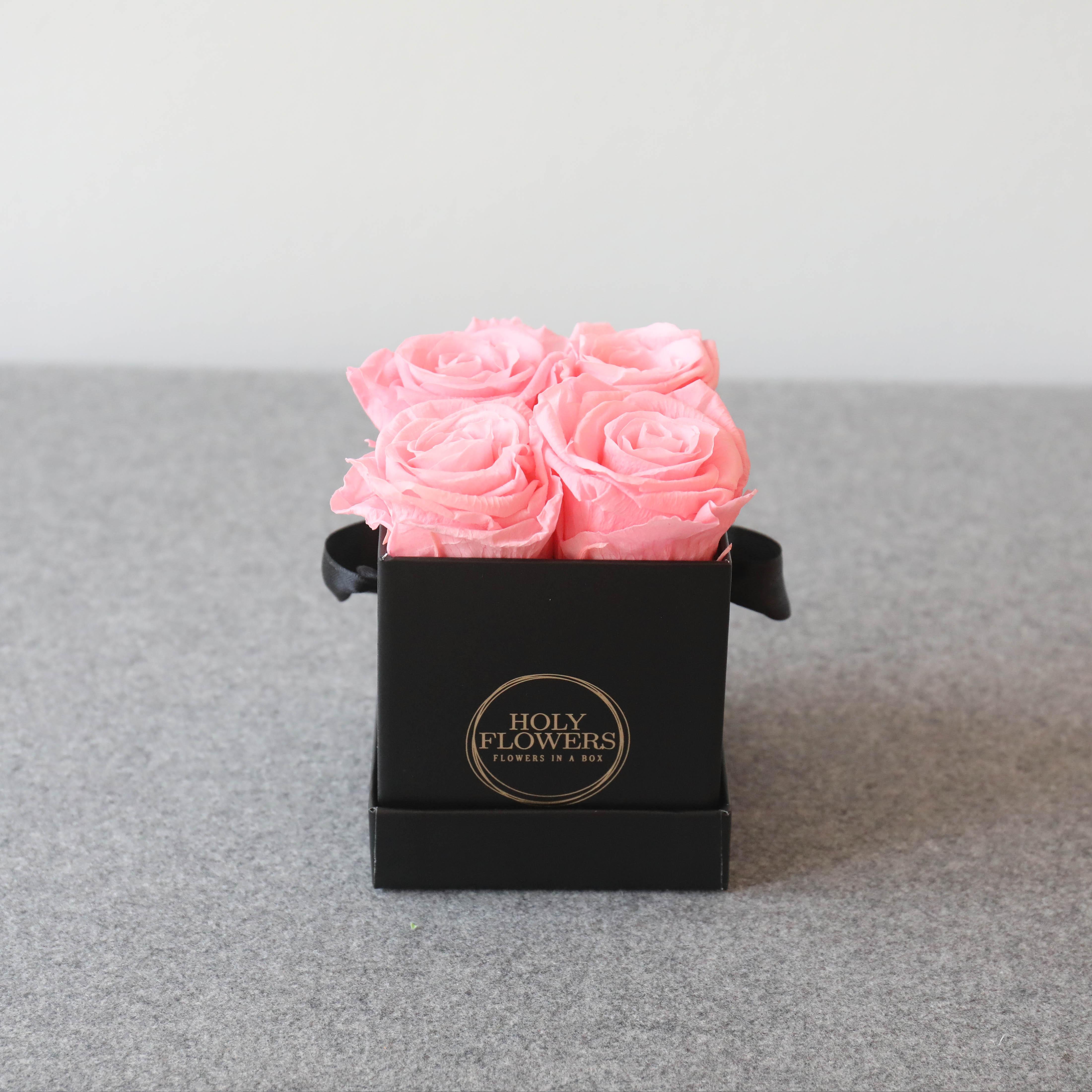 rosa rosen in der box blumenboxen holy flowers rosen in der box exklusive rosenboxen. Black Bedroom Furniture Sets. Home Design Ideas